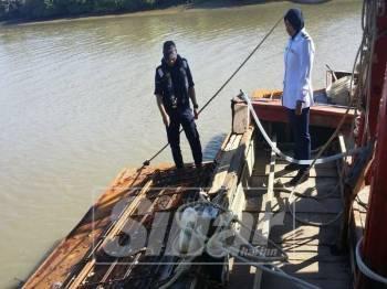 Kedua-dua buah bot dibawa ke Jeti Zon Maritim Kuala Kedah untuk tindakan lanjut.
