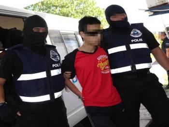 Antara individu yang ditahan dipercayai terlibat dengan kumpulan pengganas.