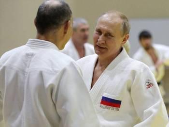 Putin tiba di pusat sukan Yug di Sochi.