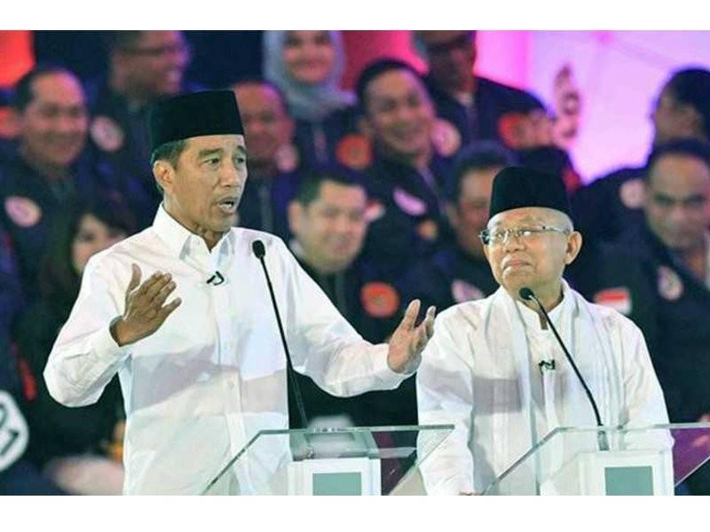Ma'ruf (kanan) tidak terjejas dengan laporan Indopos