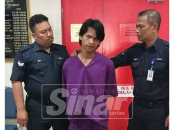 Ahmad Faizol dijatuhi hukuman sembilan bulan penjara selepas mengaku salah cuba mencuri seekor ayam jantan di Mahkamah Majistret Kuala Terengganu hari ini.