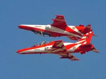 Kejadian berlaku ketika latihan aerobatik di Karnataka.