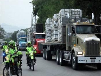 Bantuan kemanusiaan AS disekat daripada memasuki Venezuela atas arahan Presiden Maduro. - Foto Reuters