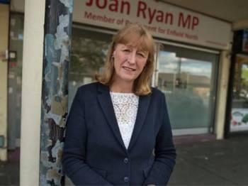 Joan Ryan muncul ahli Parlimen Parti Buruh kelapan umum keluar parti.