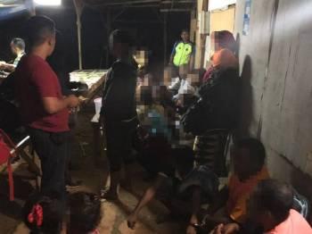 Sebahagian PATI yang ditahan operasi malam tadi di sebuah tapak projek perumahan di Lukut.