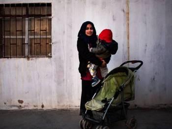 Hoda dijadikan simbol propaganda Daesh dan dijadikan umpan bagi merekrut wanita muda Islam Barat menyertai kumpulan itu di Syria.