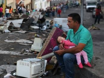 Rakyat Venezuela berdepan krisis kemanusiaan ekoran kemelut politik yang semakin meruncing. Foto vocfm