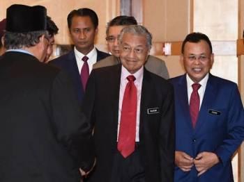 Perdana Menteri Tun Dr Mahathir Mohamad (tengah) hadir pada Sesi Pemukiman Kerajaan Negeri Johor Bersama Kepimpinan Kerajaan Persekutuan di Putrajaya hari ini. Foto: Bernama