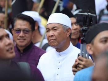 Ahmad Zahid hadir memberikan sokongan di Himpunan Aman Ancaman Kepada Kedaulatan Islam di Masjid Negara, hari ini. - Foto Facebook Ahmad Zahid