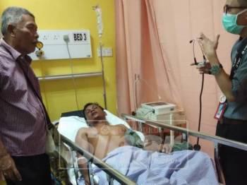 Mangsa dipindahkan ke Hospital Langkawi untuk mendapatkan rawatan lanjut.