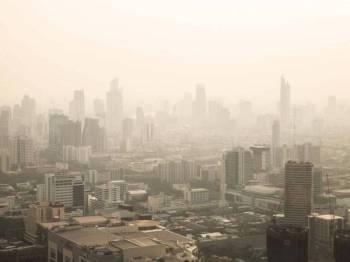 Pembakaran secara terbuka amat tidak digalakkan bagi mengelakkan kejadian jerebu melanda negara ini.