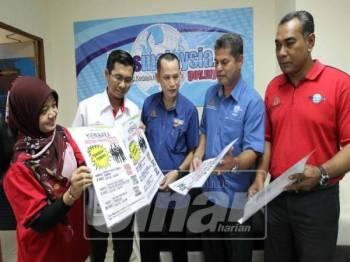 Dr Abd Rahim (tengah) pada sidang media di UTC.
