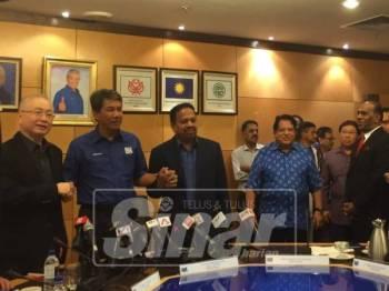Ku Nan diumumkan kembali memegang jawatan Setiausaha Agung BN selepas pelantikan Mohamed Nazri dikatakan tidak diperakukan oleh semua komponen BN.