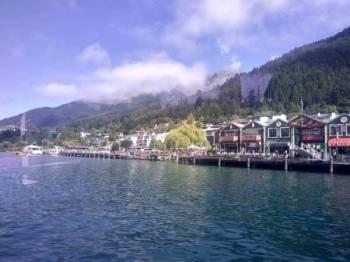 Setenang Lake Wakatipu, Queenstown, begitulah New Zealand dengan penduduk Muslim paling kecil kenapa ia menjadi sasaran pengganas.