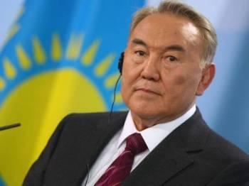 Nursultan Nazarbayev - Foto Aprecon