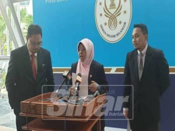 Haniza menjawab soalan media ketika sidang media hari ini