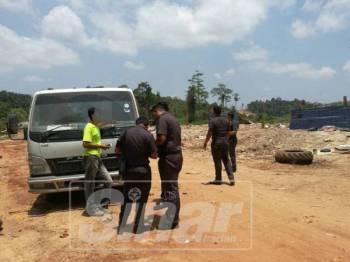 Operasi dijalankan anggota penguatkuasa SWCorp Pahang di sebuah tapak pelupusan haram sebelum ini.