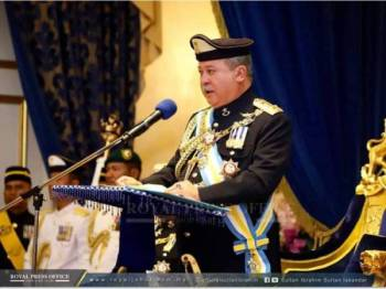 Sultan Ibrahim ketika bertitah pada istiadat berkenaan, di sini, hari ini. -  Foto : Ihsan FB The Royal Johor