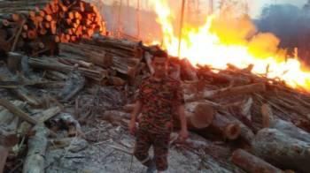 Kebakaran hutan di Kampung Pulai.