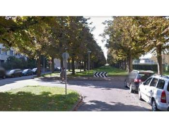 Seorang kanak-kanak sekolah berusia tujuh tahun maut ditikam di St Galler-Ring, bandar Basel. - Foto DAILYMAIL