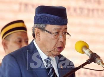 Sultan Selangor, Sultan Sharafuddin Idris Shah berkenan menyampaikan ucapan pada majlis perasmian Kompleks SPRM Selangor. Foto Sinar Harian/Rosli Talib