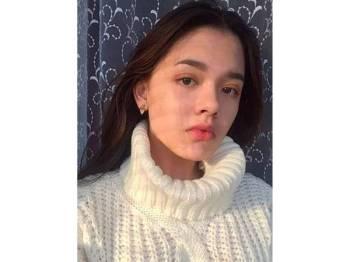 Karina Baymukhambetova, 15, maut ketika berswafoto di landasan kereta api.
