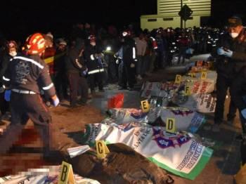 Sebahagian daripada mayat mangsa kejadian rempuhan tersebut.
