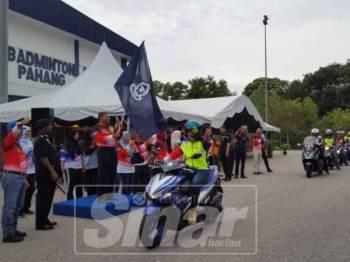 Mohd Zakaria ketika pelepasan Program Kembara Komuniti Ketua Polis Pahang ke Port Dickson 2019 di Alor Akar, hari ini.