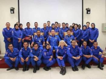 Majlis Perhimpunan Bulanan dan Perutusan Amanat sempena Hari Ulang Tahun Pertahanan Awam ke-67 diadakan di Dewan Gemilang, Jabatan Ketua Pengarah Tanah dan Galian (JKPTG) Selangor, Bukit Raja disini.