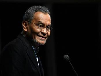 Menteri Kesihatan Datuk Seri Dr Dzulkefly Ahmad semasa menyampaikan ucapan pada Majlis Pengiktirafan Revolusi Bebas Rokok di Tempat Kerja Melaka hari ini. - Foto Bernama