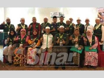 Barisan peserta kursus mutawif kendalian Akademi Mutawif Fadlim di Melaka.