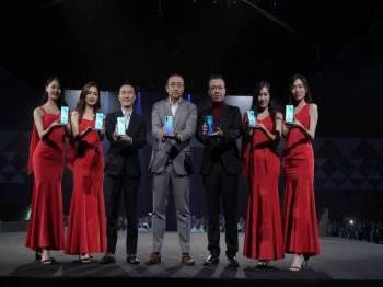 Majlis pelancaran Huawei P30 Series di Pusat Konvensyen Sunway Pyramid, semalam