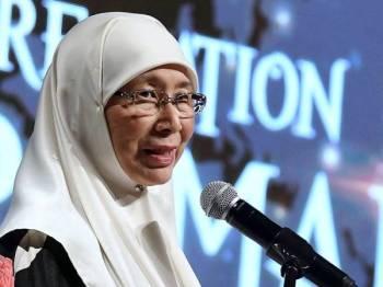 Timbalan Perdana Menteri Datuk Seri Dr Wan Azizah Wan Ismail menyampaikan ucapan pada Malam Penghargaan Persidangan Global Halal (GHas) 2019 malam ini. - Foto Bernama