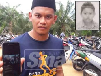 Muhamad Marhan menunjukkan gambar Allahyarham adiknya ketika bercuti di Langkawi bersama orang tuanya minggu lepas.- Gambar kecil: Allahyarham Mohamad Noriman.