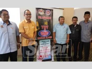 Baharudin (tengah) bersama sebahagian wakil MPKK Parlimen Kapar ketika Pelancaran  Program Training Of Trainers (TOT) dan Skuad AADK di Wisma Persekutuan  Klang, hari ini.