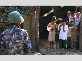 Tentera Myanmar dikecam negara antarabangsa kerana melancarkan tindakan kekerasan ke atas penduduk Rohingya.