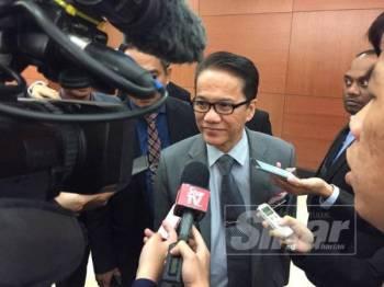 Liew Vui Keong ketika ditemui media di lobi Parlimen, hari ini. - Foto Sinar Harian
