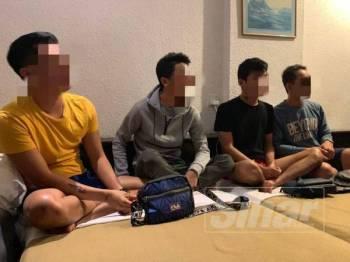 Empat daripada lima gay warga Indonesia yang ditahan dalam operasi yang dijalankan JIM Pulah Pinang di sebuah hotel di Jalan Penang malam tadi.