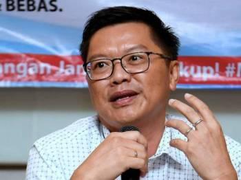 Chia Siew Yung mengumumkan akan bertanding sebagai calon Bebas dalam PRK Parlimen Sandakan ketika sidang media hari ini. - Foto Bernama
