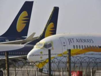 Jet Airways terpaksa menggantung semua penerbangan antarabangsa sehingga Isnin depan.