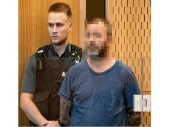 Philip Arps dihadapkan ke mahkamah di sini. - Daily Mail