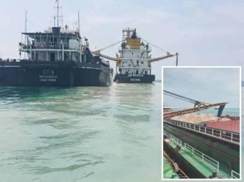Dua kapal yang dipercayai digunakan untuk mengorek dan memindah pasir secara tidak sah ditahan pasukan Maritim Malaysia Melaka/Negeri Sembilan (Maritim Malaysia) di kedudukan lebih kurang 5 batu nautika Barat Daya Tanjung Keling, di sini semalam. (Gambar kecil: Pasir yang dipercayai dikorek secara tidak sah.)
