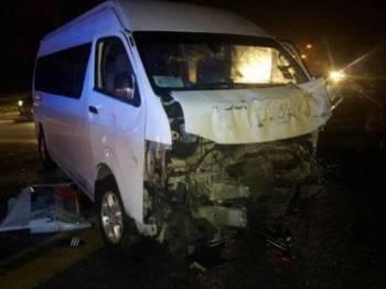 Keadaan van yang terlibat dalam kemalangan di Iskandar Puteri, malam tadi. - Foto Polis