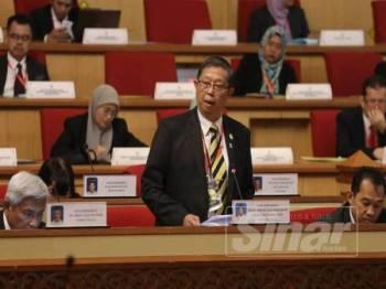 Mohammad Nizar ketika menjawab soalan tambahan dikemukakan Datuk Abdul Manaf Hashim (Pengkalan Baharu-BN) pada Persidangan DUN Perak, hari ini.