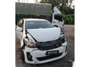 Dua daripada empat kenderaan terlibat dalam kemalangan berkenaan.
