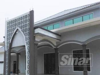 Pembinaan semula surau SMK Seri Tanjong masih dalam proses fasa terakhir.