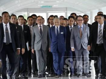 Pentadbiran PH memasuki usia setahun pentadbiran 9 Mei ini. - Foto Sinar Harian/Sharifudin Abdul Rahim