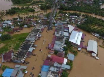 Bangunan di Bengkulu ditenggelami banjir selepas hujan lebat berterusan sejak beberapa hari lalu.