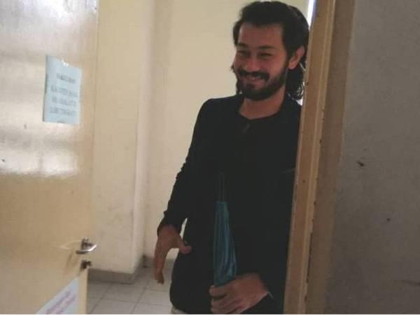 Farid hadir ke Mahkamah Majistret Petaling Jaya bagi mendengar keputusan pendakwaan terhadapnya pagi ini.