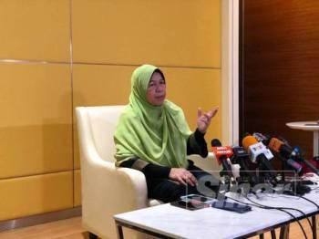 Zuraida ketika ditemui pada sidang akhbar di Putrajaya kelmarin.